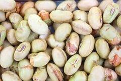 Soybeans som torkas och grillas upp slut Arkivfoto