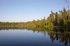 Ett sommarlandskap i Ontario Kanada royaltyfria foton