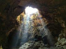 Ett stort hjärtahål på den Khao Luang grottan Thailand Royaltyfri Fotografi
