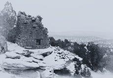 Ett tappning utformat B&W-foto som en Anasazi fördärvar Arkivbild