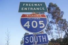 Ett tecken för motorvägingången för 405 San Diego Royaltyfri Foto