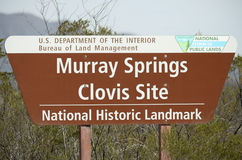 Ett tecken på Murray Springs Clovis Site Trailhead Fotografering för Bildbyråer