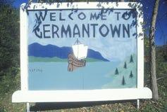 Ett tecken som läser ï¿ ½ som skriver in Germantownï ¿ ½ Royaltyfria Bilder