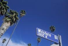 Ett tecken som läser för Wilshire Blï för ï¿ ½ ½ ¿ Arkivfoton