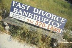 Ett tecken, som läser snabb skilsmässa för ï¿ ½, bankruptcyï¿ ½ Royaltyfri Foto