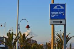 Ett tecken till stranden Fotografering för Bildbyråer