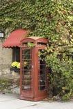 Ett telefonbås för gammal stil Arkivbilder