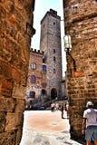 Ett torn i San Gimignano, Italien arkivfoton