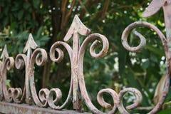 Ett trädgårds- staket arkivbild