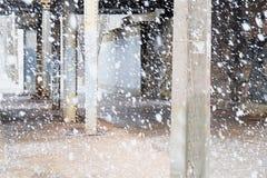 Ett tungt snöfall royaltyfria bilder