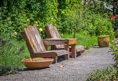Ett tyst ställe som vilar i trädgården Royaltyfri Foto