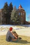 Ett ungt par på det nordliga Arizona universitetet Arkivbild