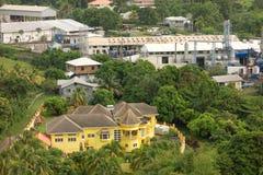 Ett utsmyckat nytt hus i det karibiskt Royaltyfri Fotografi