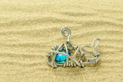 Ett val tillverkar på sanden Arkivfoto