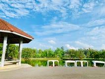 Ett vila ställe i Pattani parkerar som är den Somdej Phra Srinakarin trädgården arkivbilder