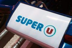 Etters Superu auf einem Warenkorb Stockbilder