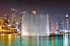 Ettinställning springbrunnsystem, Dubai Arkivfoton