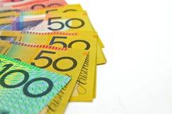 Etwas australisches Geld auf weißem Hintergrund Stockbild