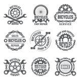 Etykietka szablonu projekt z przekładniami, łańcuchami i innymi częściami bicykl, ilustracja wektor