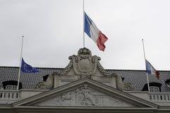 EU_FRENCH VLAG BIJ DE FRANSE AMBASSADE VAN HALP MAST_AT Stock Afbeelding