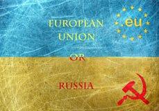 EU gegen Russland-Motiv auf der Flagge von Ukraine Stockfoto