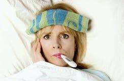 Eu sou doente na cama! fotografia de stock royalty free