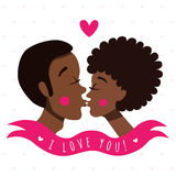 Eu te amo cartão com pares de beijo (afro-americanos) ilustração do vetor