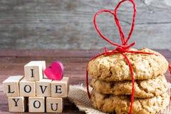 Eu te amo inscrição e cookies caseiros da aveia Foto de Stock Royalty Free