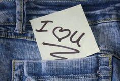 Eu te amo nota com um coração Imagens de Stock
