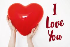 Eu te amo sinal do texto Conceito feliz do dia do ` s do Valentim holdin da mão Foto de Stock
