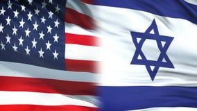 EUA e oficiais de Israel que trocam o envelope confidencial, fundo das bandeiras filme