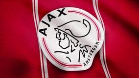 EUA - NEW YORK, o 12 de agosto de 2018: A bandeira de Ajax FC está acenando Close-up da bandeira de ondulação com logotipo do clu ilustração stock