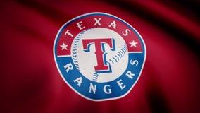 EUA - NEW YORK, o 12 de agosto de 2018: Bandeira de ondulação com logotipo profissional da equipe de Texas Rangers Close-up da ba ilustração do vetor