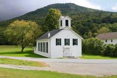 EUA, Vermont: Igreja de madeira velha (1877) Fotografia de Stock Royalty Free