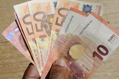 Eueropean-Reise deuments Pass- und Eurowährung Lizenzfreie Stockfotografie