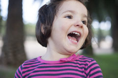 Euforische drie jaar oud meisje Royalty-vrije Stock Fotografie