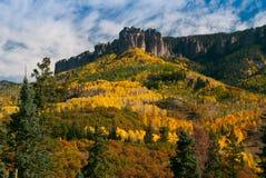 Eulen-Nebenfluss-Durchlauf im Herbst Stockfotografie