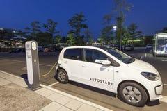 EUP de VW del coche eléctrico Fotos de archivo libres de regalías
