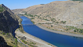 Euphrates River i Turkiet Arkivbilder
