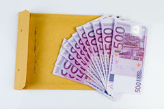 500 EUR notes and an envelope Royalty Free Stock Photos