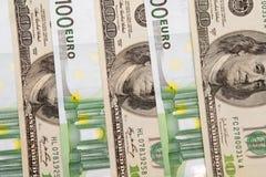 euro 100 um notas de banco do dólar Fotografia de Stock