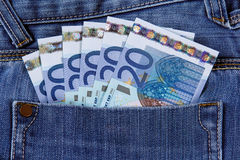 Euro banconota della Banca venti nella tasca dei jeans Unione Europea Fondo, struttura Fotografia Stock Libera da Diritti