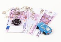 500 euro banconote, automobile e gioielli Fotografia Stock Libera da Diritti