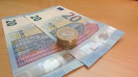 Euro banconote di EUR e monete, Unione Europea UE Immagine Stock Libera da Diritti