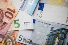 Euro banconote differenti da 5 all'euro 500 Immagini Stock