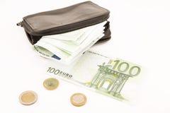 Euro banconote e un portafoglio nero immagine stock