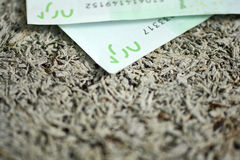 100 euro banconote isolate su fondo bianco Fotografia Stock