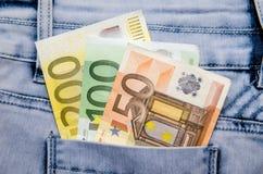 Euro bankbiljetten in de zak Stock Foto
