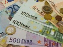 Euro bankbiljetten en muntstukken Royalty-vrije Stock Afbeelding