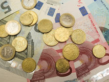 Euro bankbiljetten en muntstukken Stock Fotografie